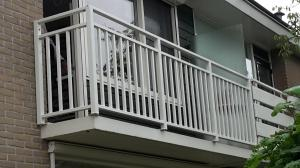 Groot balkon sierhekwerk